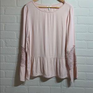 Joie crochet bell sleeve peplum top light pink L
